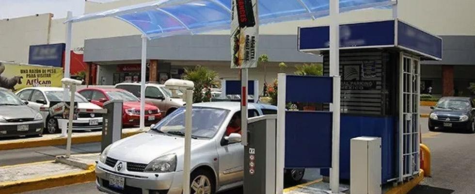 Suspensión al cobro de estacionamiento en plazas y centros comerciales del Edo. de México